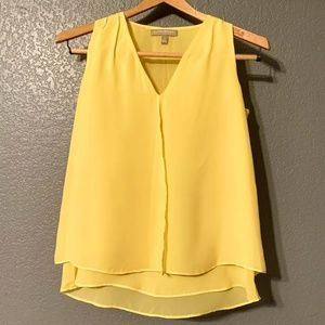 3/$25 Banana Republic Yellow Flowy Layered Blouse